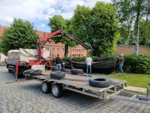 Wywiezienie repliki łodzi św Wojciecha